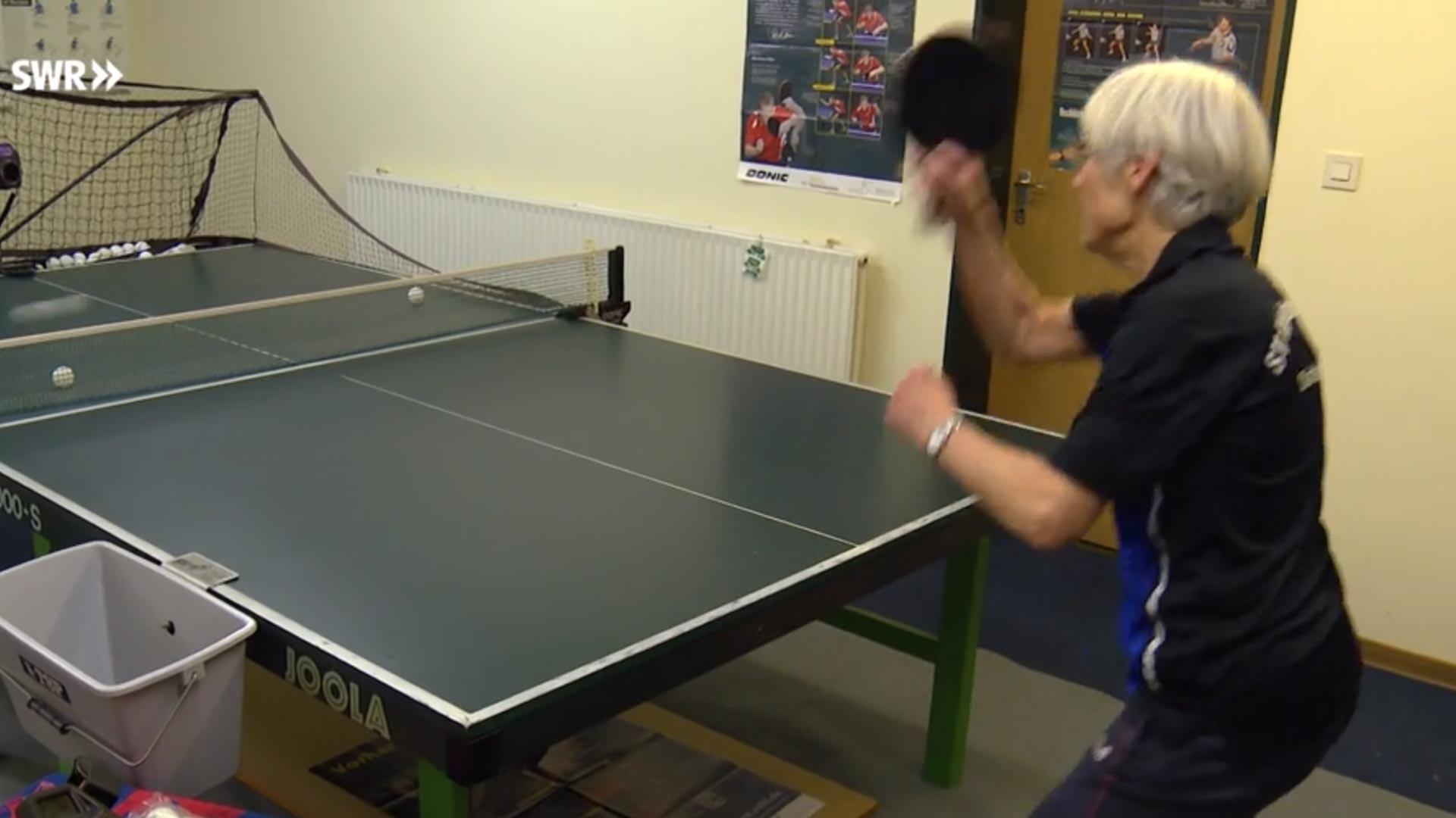 Mit 79 Jahren nochmal Tischtennis-Meisterin werden